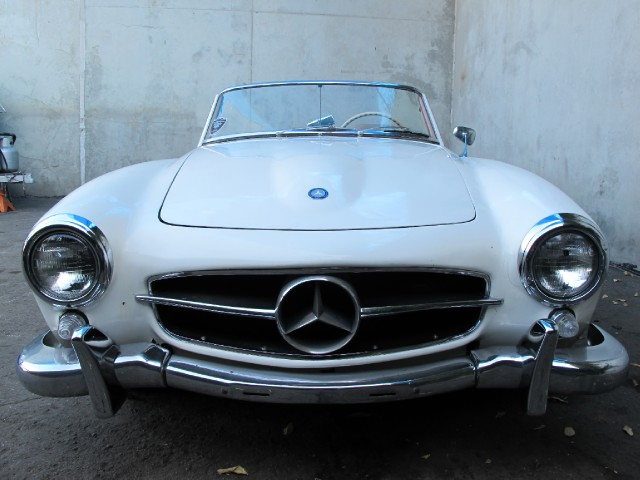 Buying a vintage 1957 mercedes benz 190sl beverly hills for Buying a mercedes benz