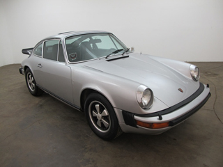 buying a vintage 1975 porsche 911 beverly hills car club. Black Bedroom Furniture Sets. Home Design Ideas