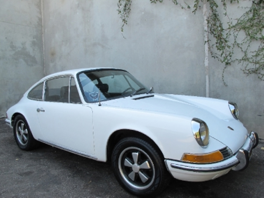 Buying A Vintage 1969 Porsche 911 T | Beverly Hills Car Club