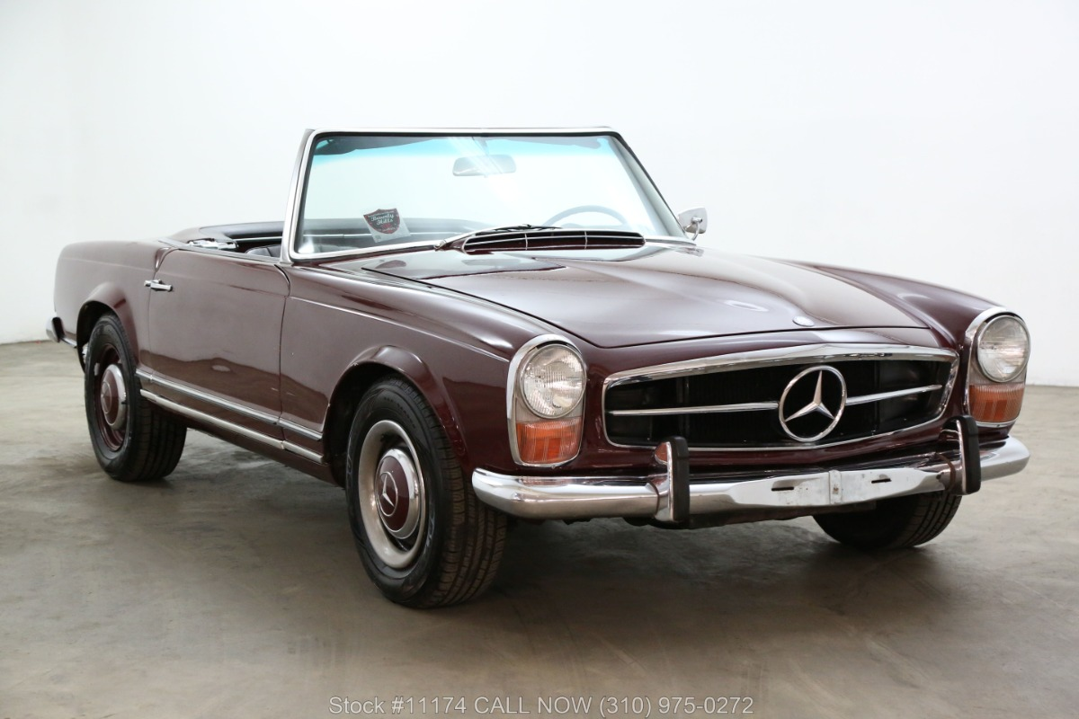 1967 Mercedes-Benz 230SL Pagoda with 2 Tops