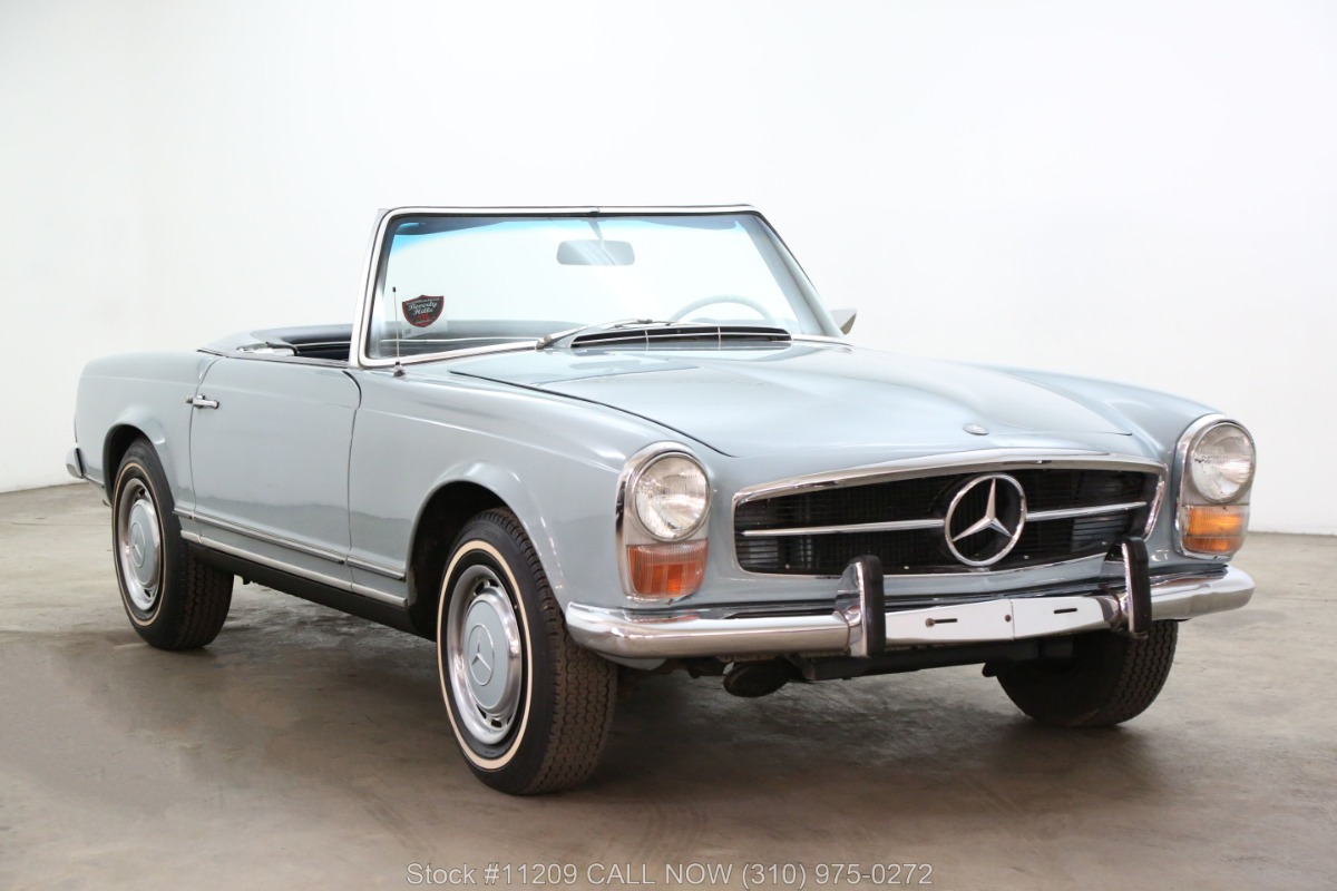 1969 Mercedes-Benz 280SL Pagoda with 2 tops