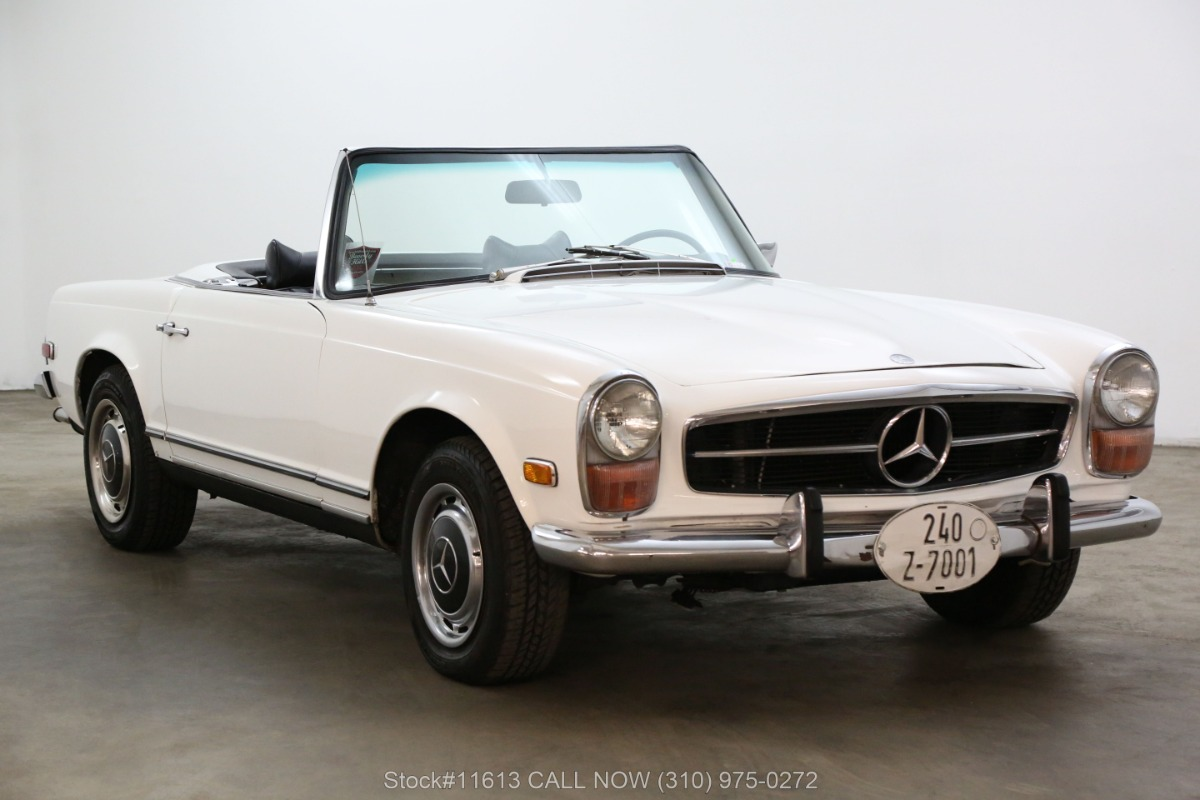 1971 Mercedes-Benz 280SL Pagoda with 2 Tops
