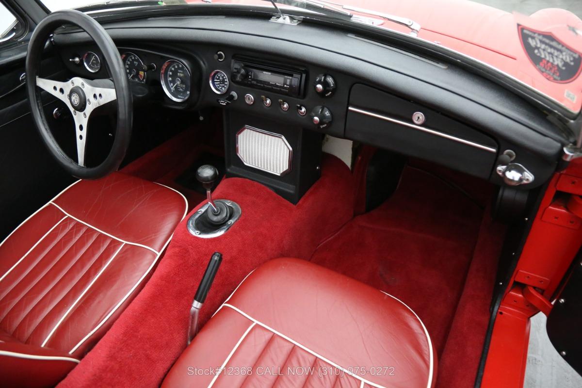Used 1965 MG B  | Los Angeles, CA