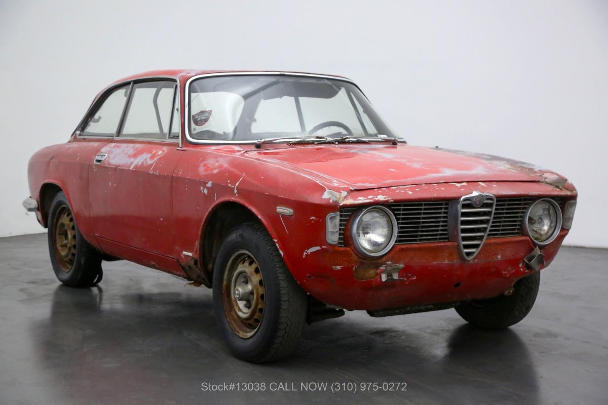 1966 Alfa Romeo Giulia GT Veloce Stepnose