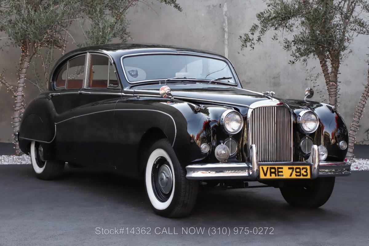 1960 Jaguar MK IX 4-Door Saloon