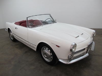 1960 Alfa Romeo 2000 Spider width=
