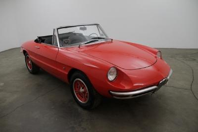 1966 Alfa Romeo Giulia Spider Duetto width=