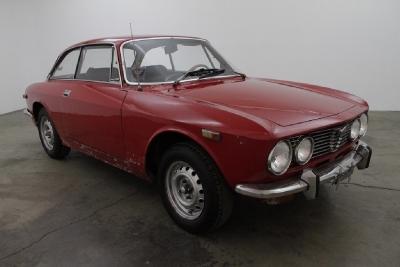 1973 Alfa Romeo GTV  width=