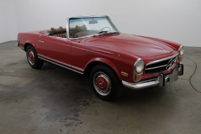 1969 Mercedes-Benz 280SL with 2 tops