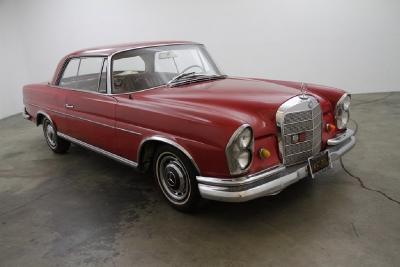 1965 Mercedes-Benz 220SE Coupe