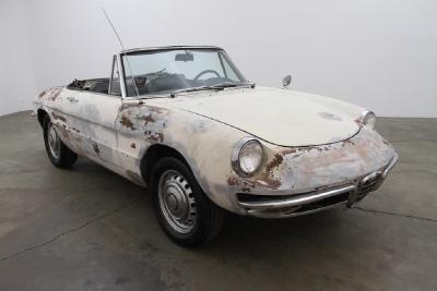 1967 Alfa Romeo Duetto  width=