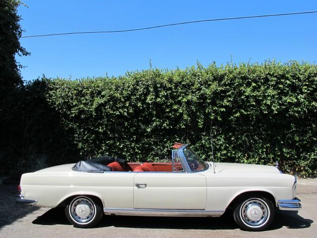 1965 mercedes benz 250se cabriolet beverly hills car club for Mercedes benz service beverly hills