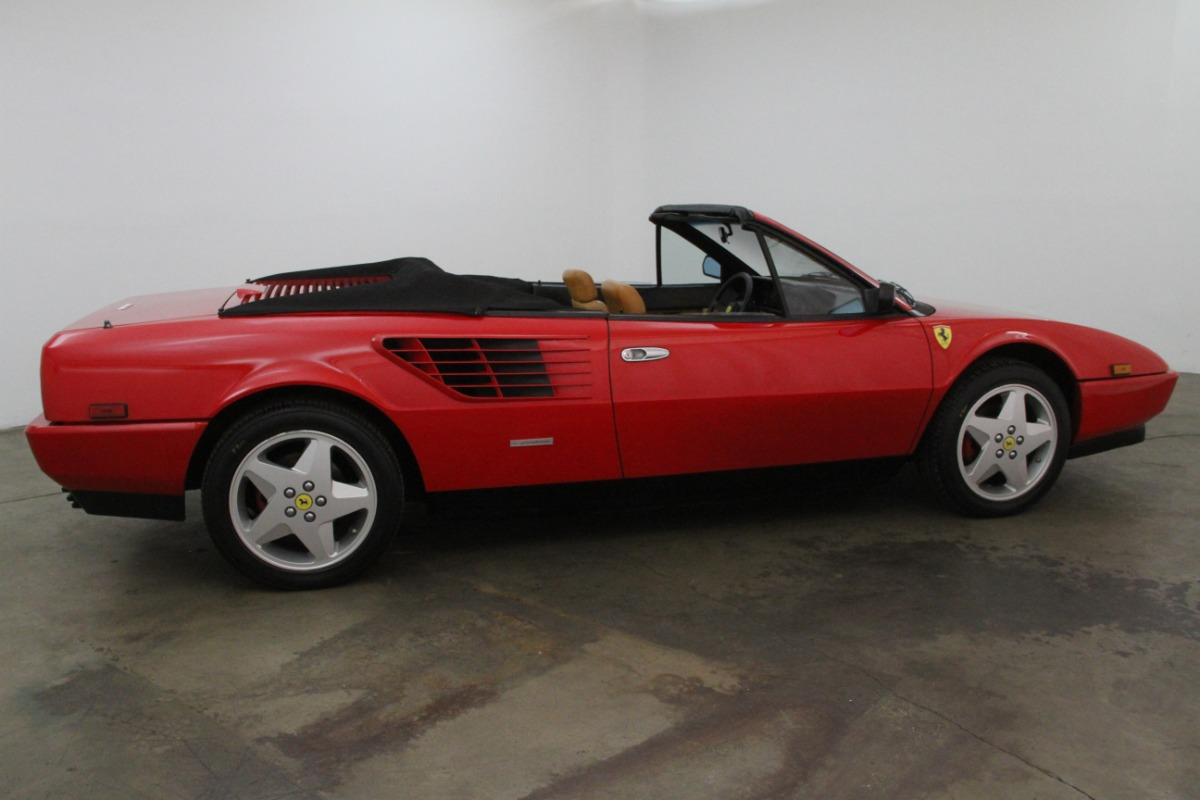 1986 ferrari mondial qv 3 2 cabriolet beverly hills car club. Black Bedroom Furniture Sets. Home Design Ideas