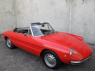1969 Alfa Romeo 1750  width=