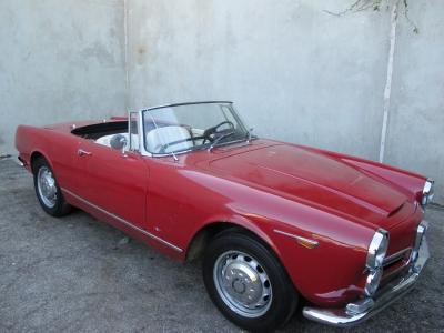 1963 Alfa Romeo 2600 Spider width=
