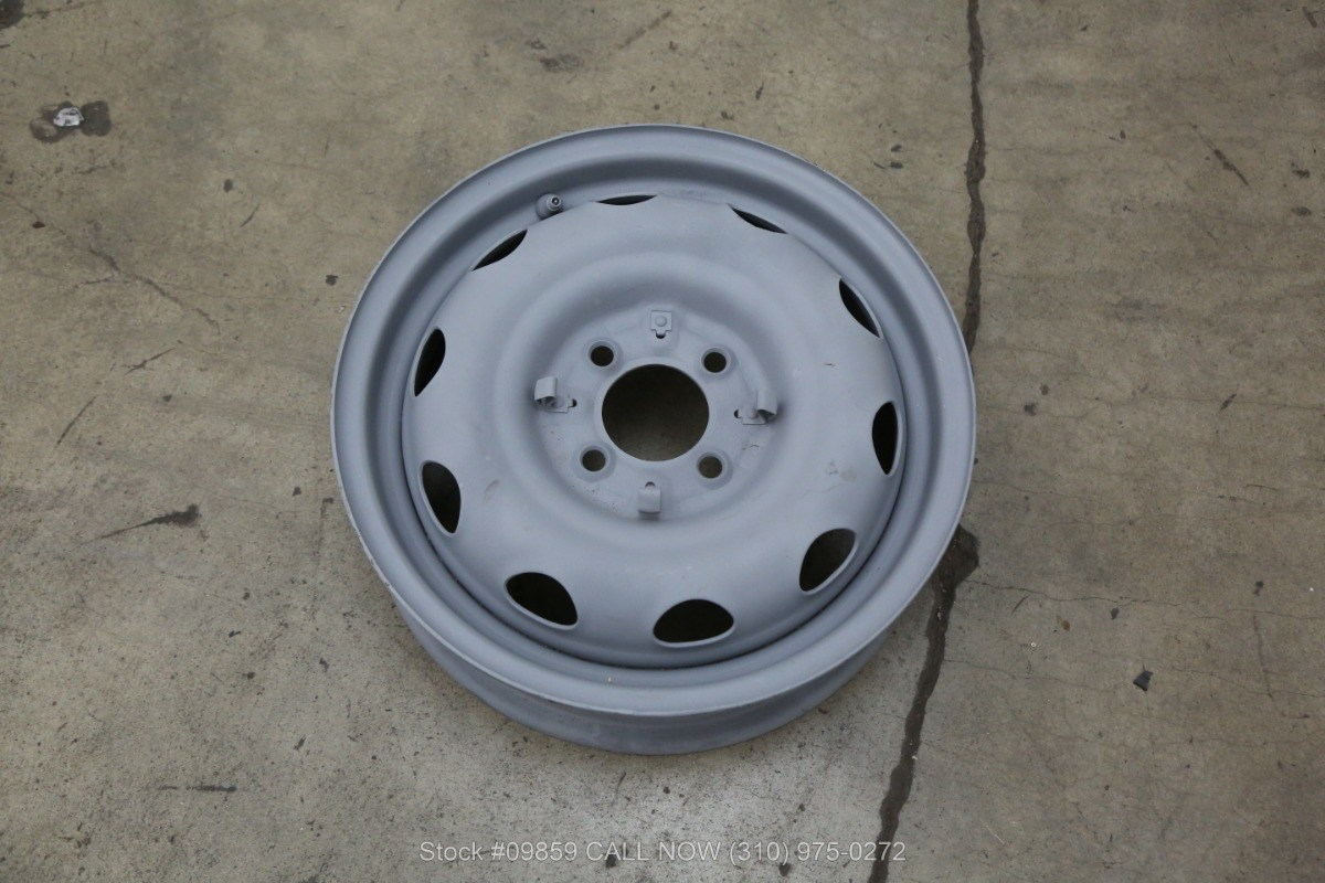 1960 Alfa Romeo Giulietta Spider Beverly Hills Car Club Rota Wheel Used Los Angeles Ca