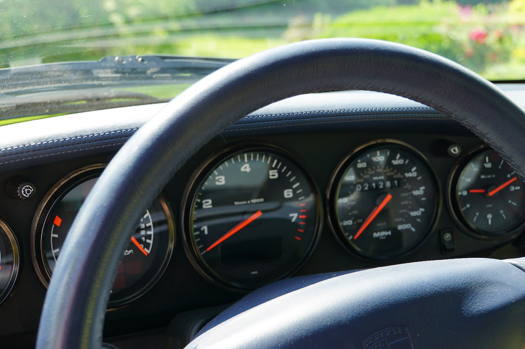 1997 Porsche 993 Turbo dash