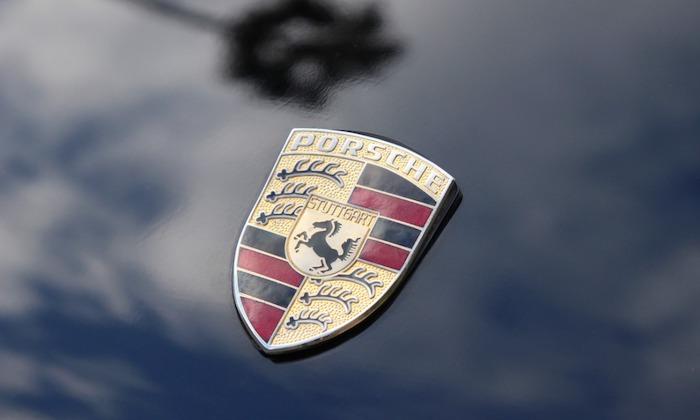 911-america-roadster-badge