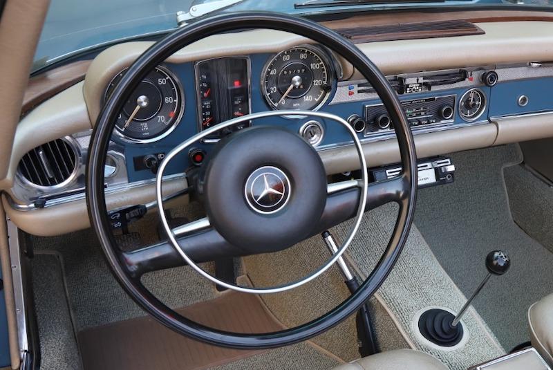 1971 Mercedes 280SL steering wheel.jog