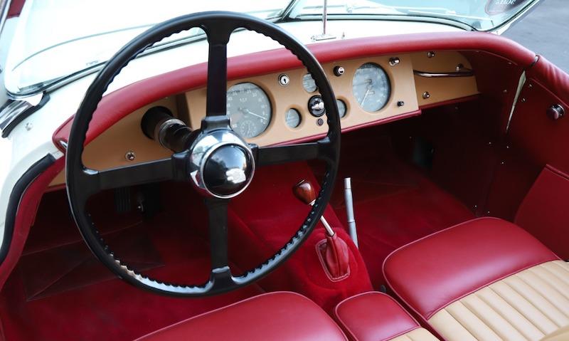 1952 Jaguar XK120 Roadster interior